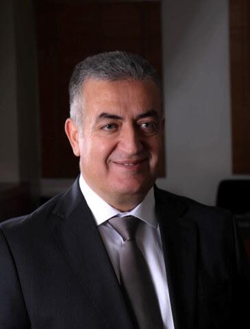 الدكتور عاصم منصور