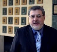 الدكتور مفيد أحمد أبوموسى